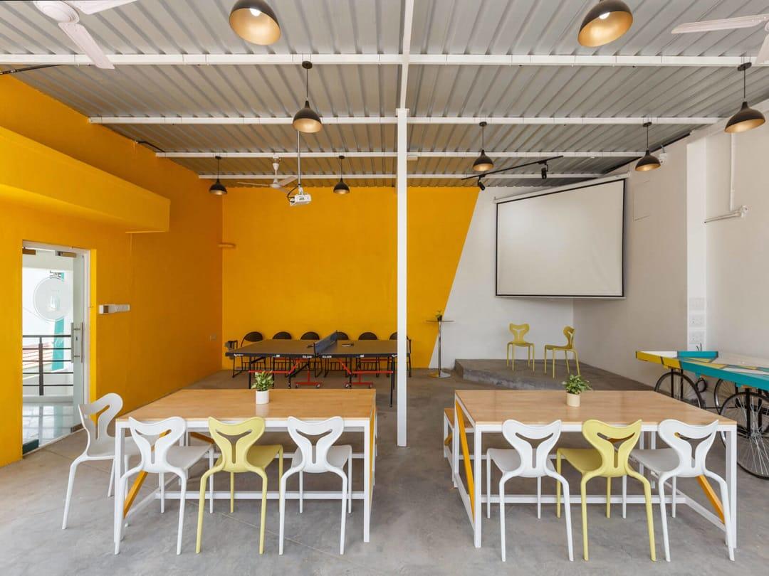 Axio Top Floor Open space 2